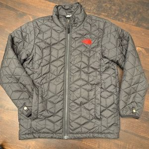 The North Face Boys Black Jacket M